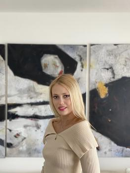 Art Entrepreneur Adele Smejkal Shares 5 Savvy Tips for Aspiring Young Collectors