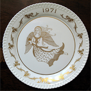 SPODE CHRISTMAS PLATE - 1971 DING DONG MERRILY A HIGH